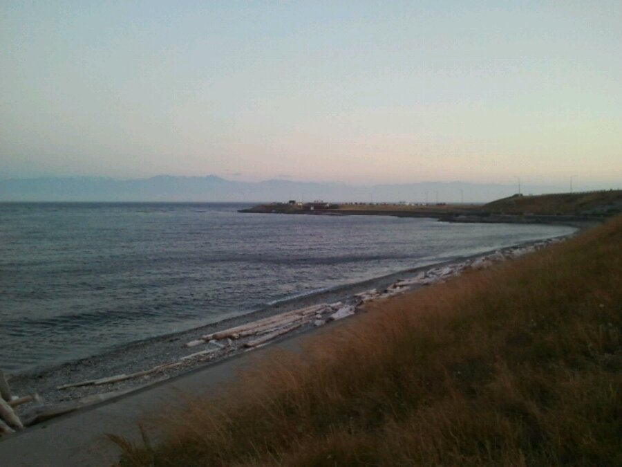 Sun is down on the Juan de Fuca: view from Dallas road