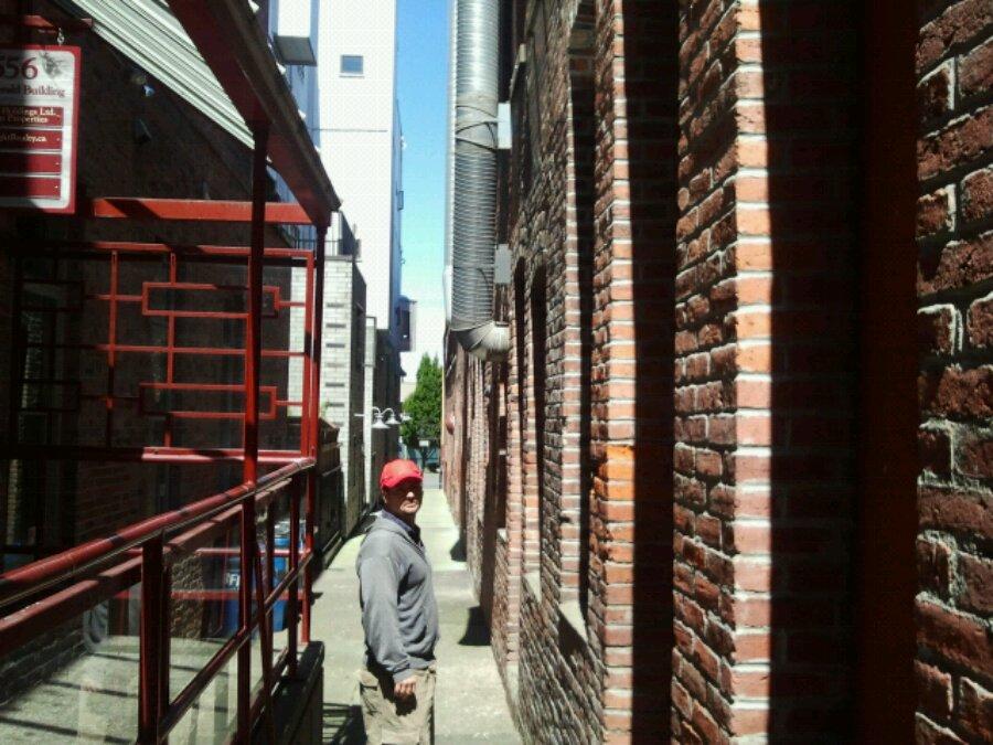 Sherwin in Victoria alleyway