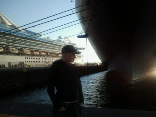 Quetzo hanging out at the cruise ships